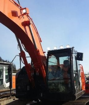 Hitachi Excavator with Economy Work Lights